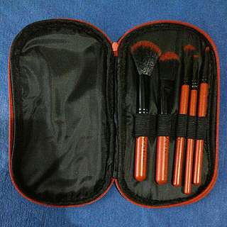 FREE SHIPPING 5 Make Up Brushes