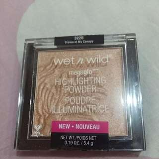 Wet N Wild Megaglo Highlighting Powder In Shade Crown Of My Canopy