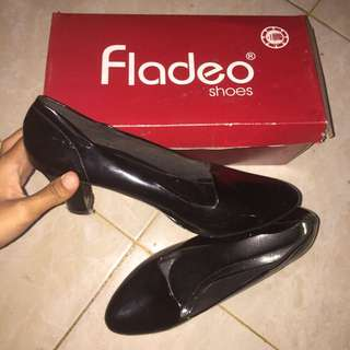 Fladeo Heels Black