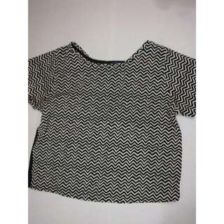 two tone pattern crop top