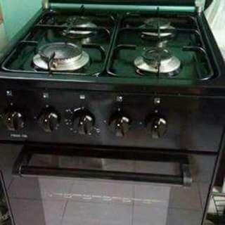 4 Burner Gas Range (La germania) 1 Large And 3 Medium Gas Burner (Piezo Authomatic Ignition) Gas Oven (Manual Ignition)