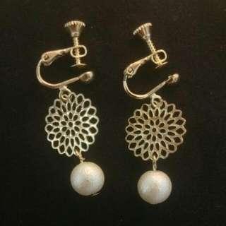 緞面珍珠耳環《耳夾式》