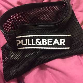 PULL & BEAR POUCH