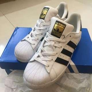 Adidas super star 球鞋(二手9成新)