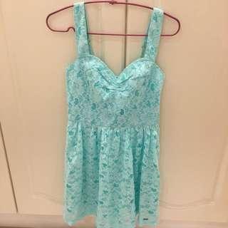 Hollister洋裝