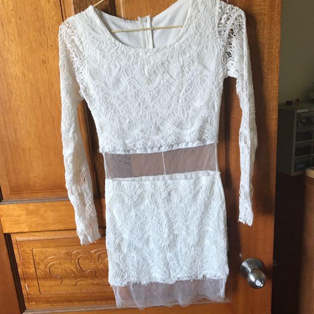 蕾絲包臀洋裝