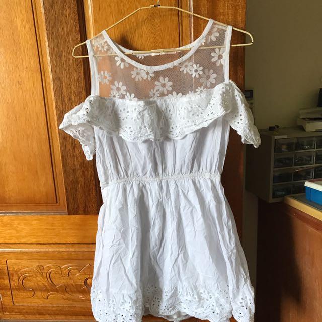 白色棉麻洋裝