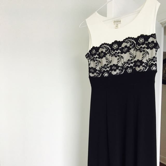 Beautiful Long Dress Never Worn Brand New