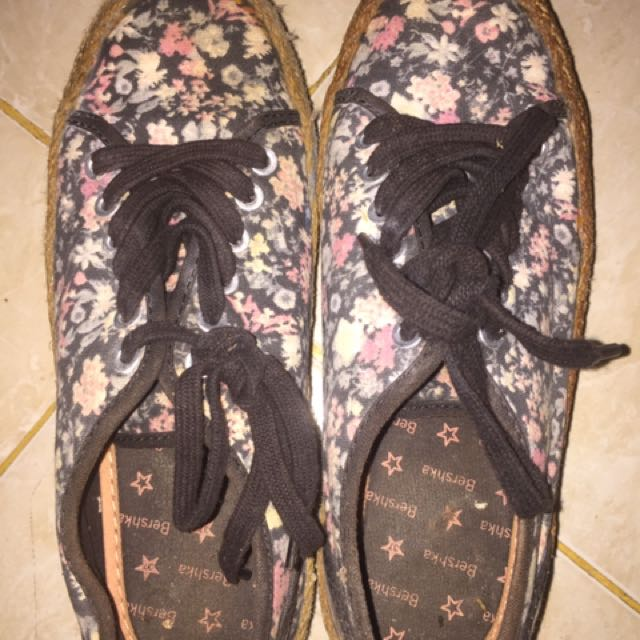 Bershka Shoes Flowers