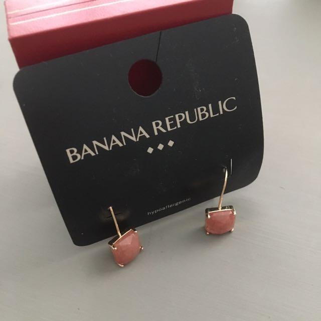Brand New Banana Republic Earrinvs