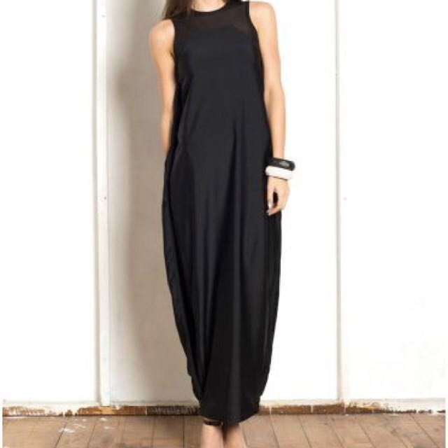 Christina Exie Long Black Sleeveless Dress