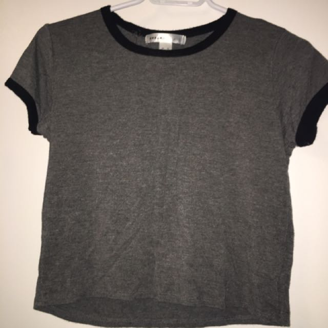 grey t shirt crop top