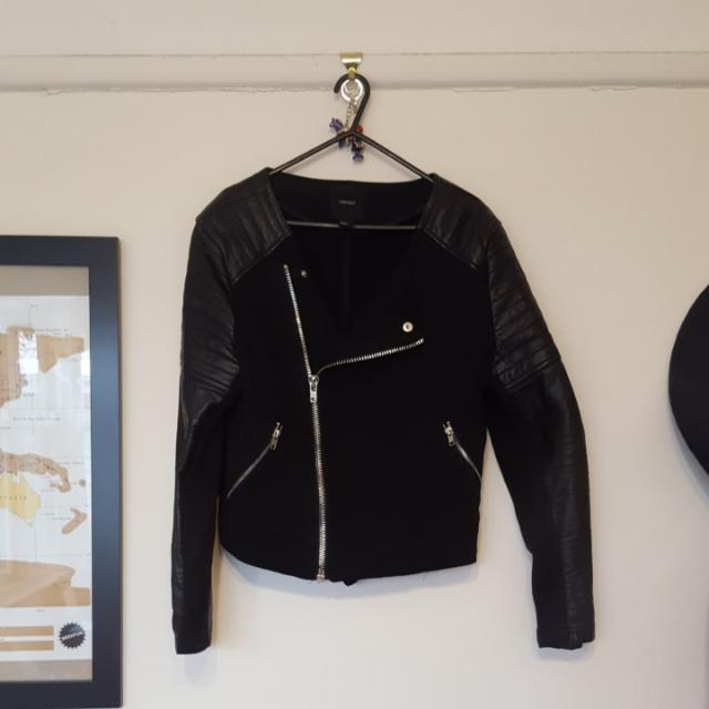 Ladies 14 Forever 21 Asymmetrical Faux Leather Jacket