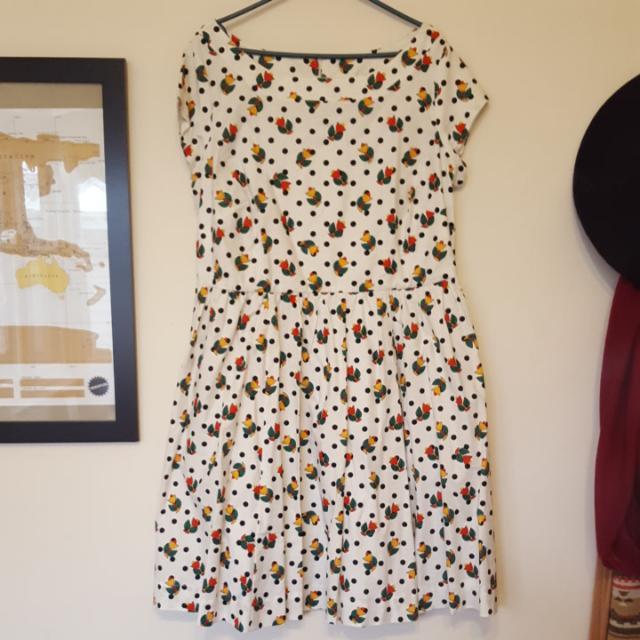 Ladies 16 Dress Dotty Tulip Pattern
