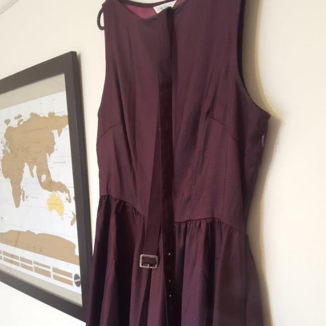 Ladies 16 Purple Sleeveless Dress