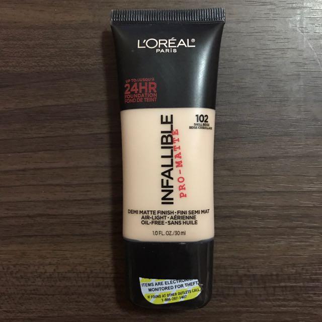 L'Oréal Infallible Pro-Matte Foundation (102 Shell Beige)