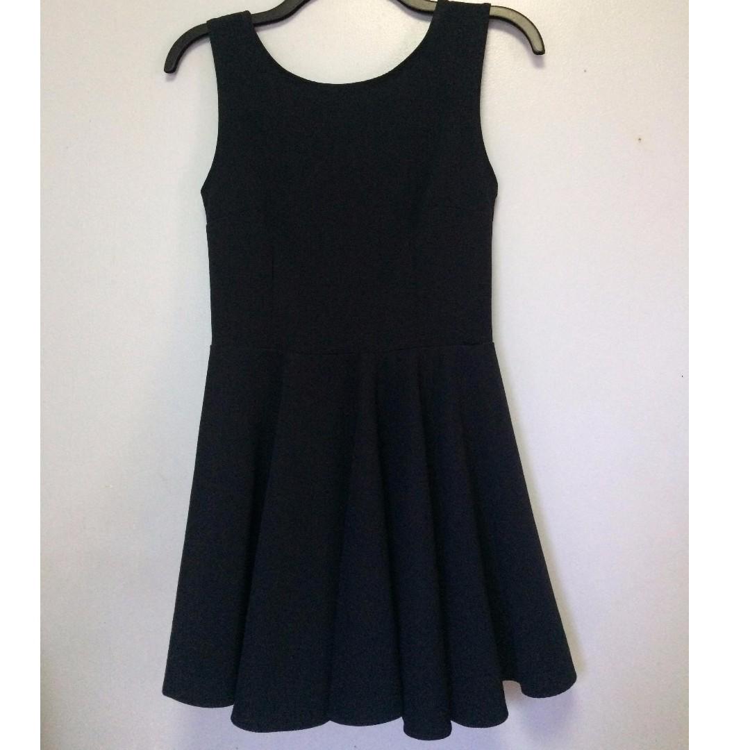 M-004 Long Back Ribbon Dress