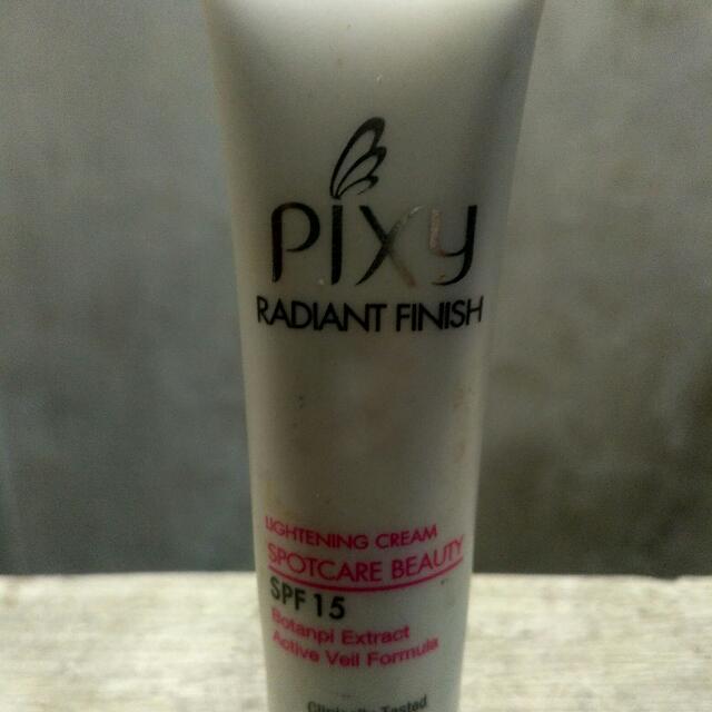 Reprice !!! Pixy White Radiant (Pelembab) + Lip Balm