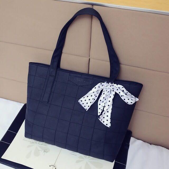 Pocket Design Shoulder Bag
