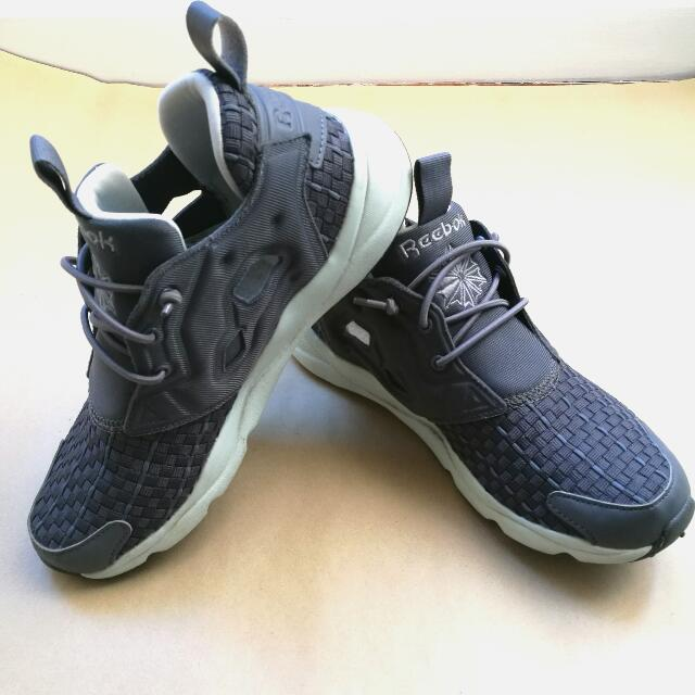 REEBOK FURYLITE Woven Grey Sneakers