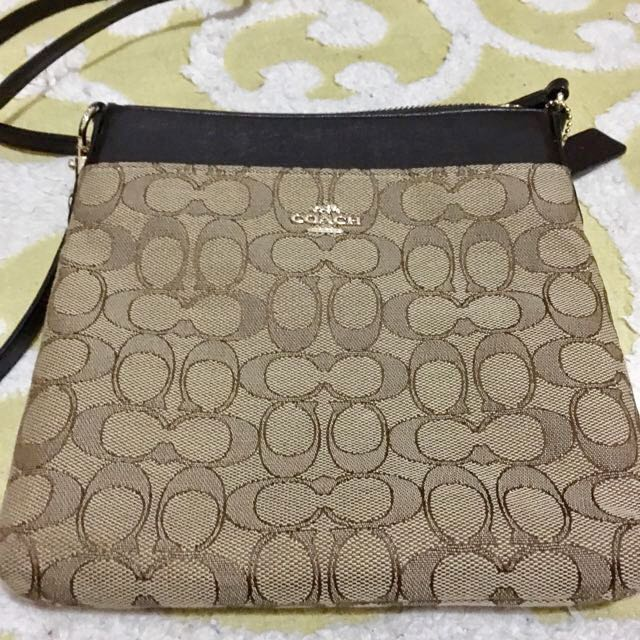 [reprice] Coach Sling Bag Signature Authentic