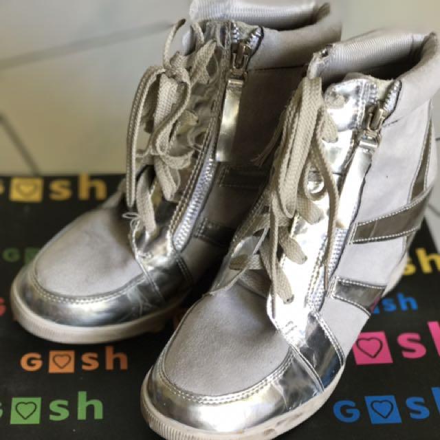 Sepatu Wedges Gosh