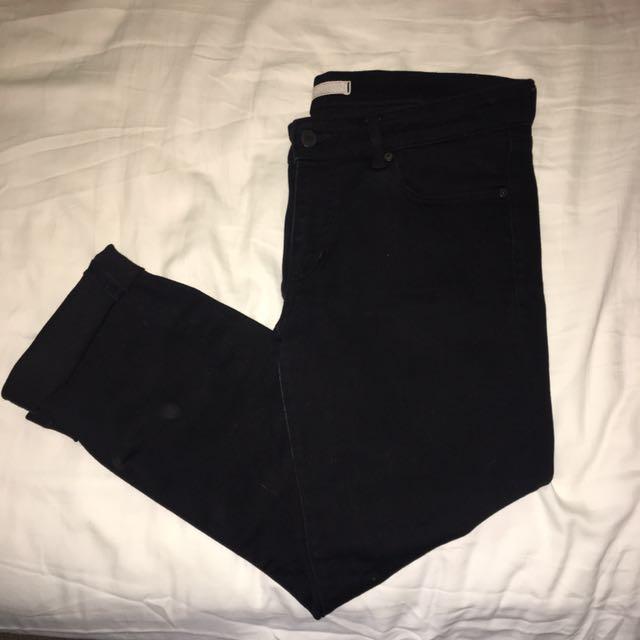 UNI QLO Black Slim Fit Denim Jeans
