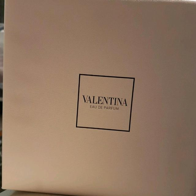 Valentino Parfume Set (Pick Up Only)