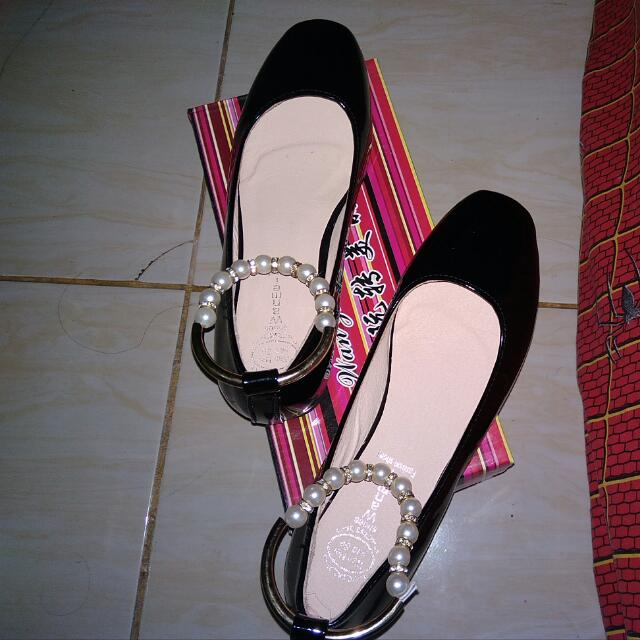 Wah Zhuan Mei Li Shoes