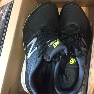 NEW BALANCE BLACK SHOES MEN SIZE 8