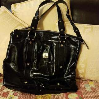 MCM black Patent Leather 黑色漆皮