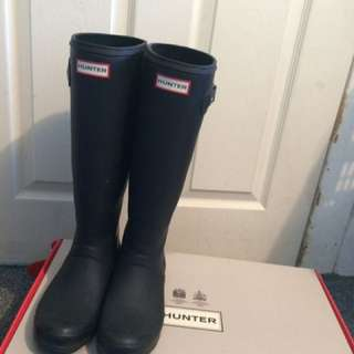 Black Hunter Boots size 8