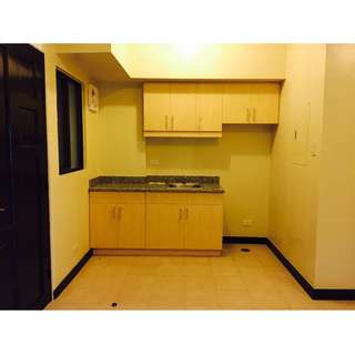 2 Bedroom End unit Condo in Taguig For Sale 5 Spot MOVE IN
