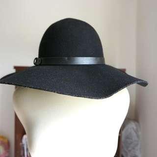 HnM Hat - Black