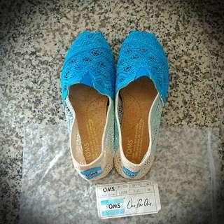 Sepatu TOMS Classic Canvas Size 38