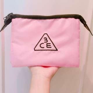 (降)3ce刺繡粉紅化妝旅行包❤️