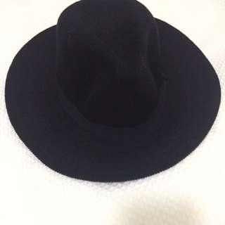 Black Knitted Panama