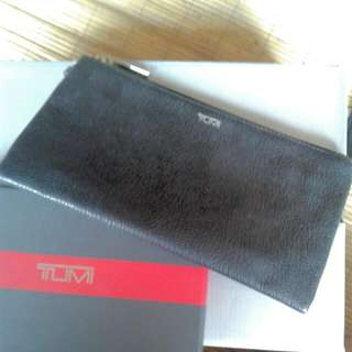 Preloved - TUMI Leather Hand Wallet