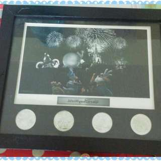 Disney Limited Edition Frame 12 Years History..no Stock in Disney Store Now.