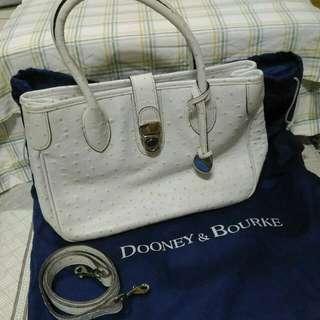 美國 Dooney & Bourke 白色鴕鳥壓紋真皮手提斜背兩用包包