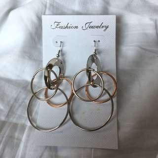 Circle Hoop Earrings 圓圈耳環