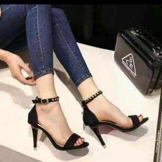 Preloved Black Heels