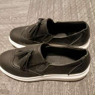 causual shoes