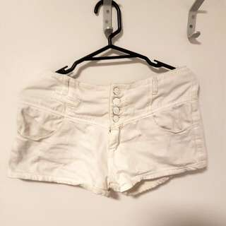 white shorts (Korean)