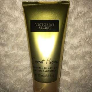 Victoria's Secret - Coconut Passion Fragrance Lotion
