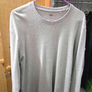 UNIQLO Gray Long Sleeve T-Shirt