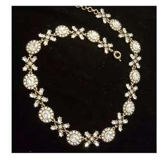 Demure Sparkly Necklace