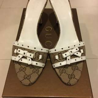 Gucci Low Rise White Heels, Size 37 1/2