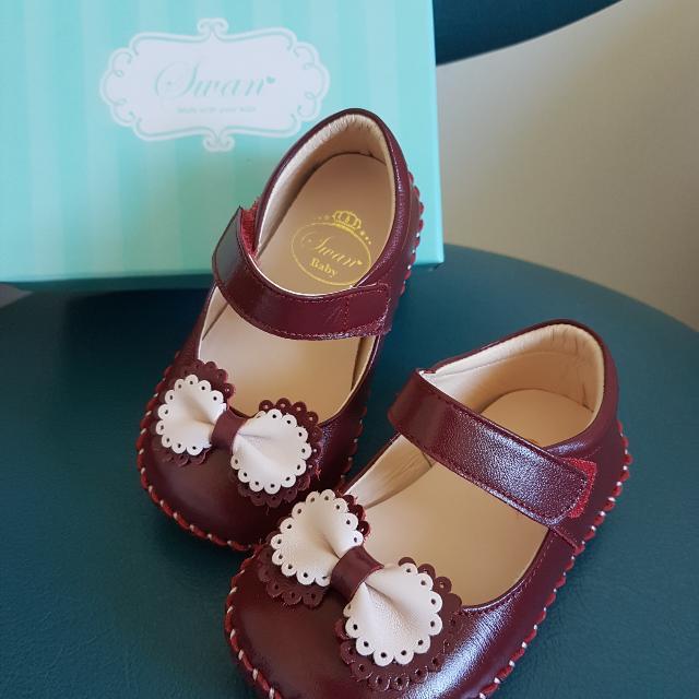 天鵝童鞋-紅色