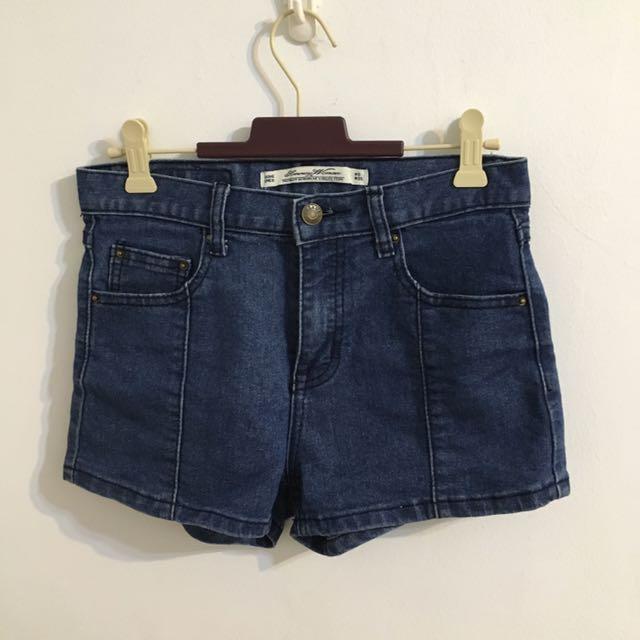 中央縫線牛仔褲熱褲